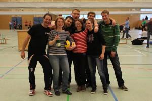 Das Team feiert den gelungenen Klassenerhalt